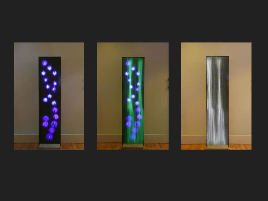 Lichtbeton - illuminiert mit mit LED-Flächenlicht und LED-Matrix