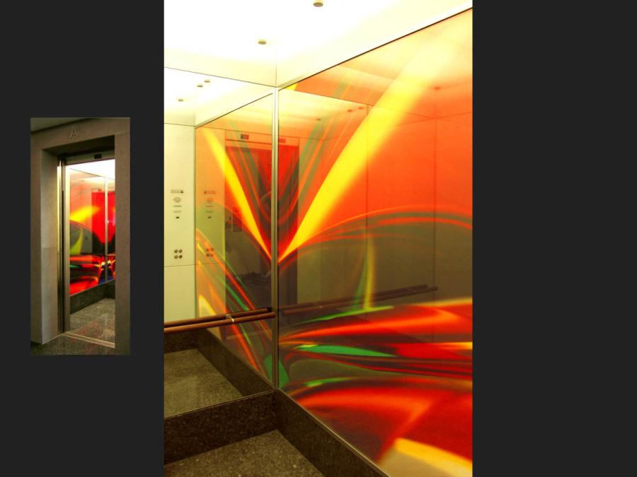 Artifizielle Lichtbilder im Aufzug