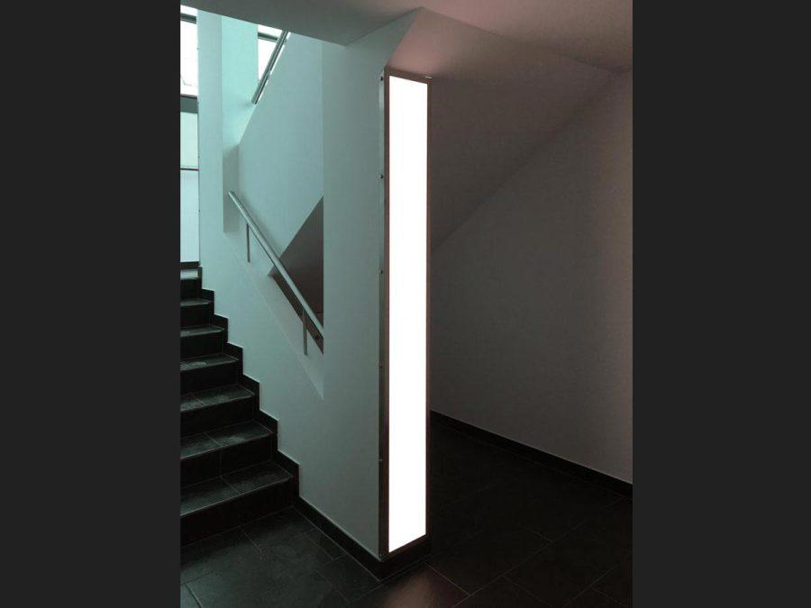 LED-Flächenlicht flächenbündig eingefasst mittels V2A-Rahmen