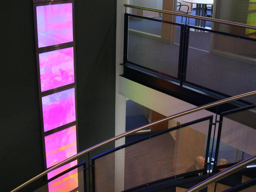 LED-Flächenlicht mit dichroitischem Acrylglas im Magnetbildrahmen